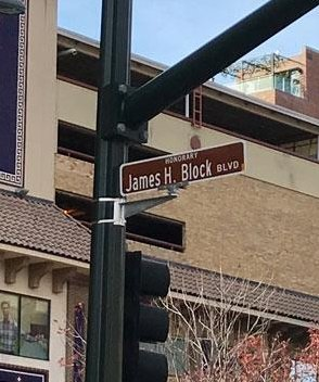 One of the biggest names in Kansas City real estate history now adorns a street sign on the Country Club Plaza. From: @KCBizJournal #GKCRA  https://bit.ly/2Fvb5XL