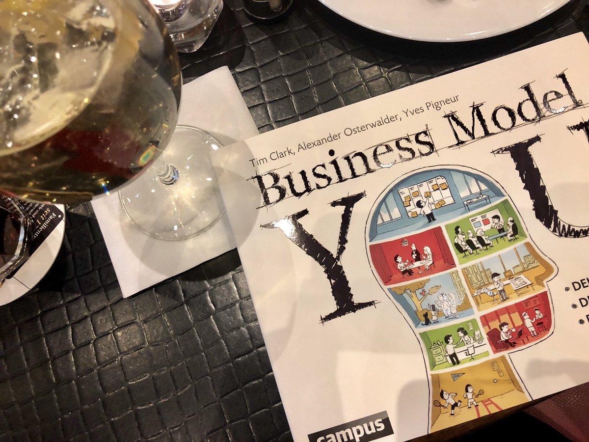 Ab und an muss es auch mal ein richtiges Buch sein: nach dem Business Model nun #BusinessModelYou - ich bin gespannt und freue mich auf neue Inspiration🤓 #Feierabend – at Alexanderplatz