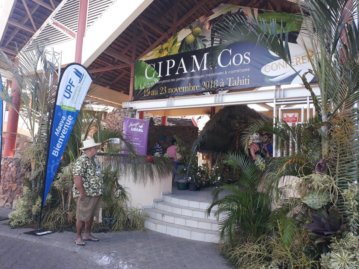 Le CIPAM and COS est ouvert !! C'est parti pour une semaine de Colloque international sur le thème des plantes aromatiques médicinales et cosmétopées, jusqu'au 23 novembre. Maeva 'e 'ia ora na à toutes et tous #CIPAMTahiti #upf