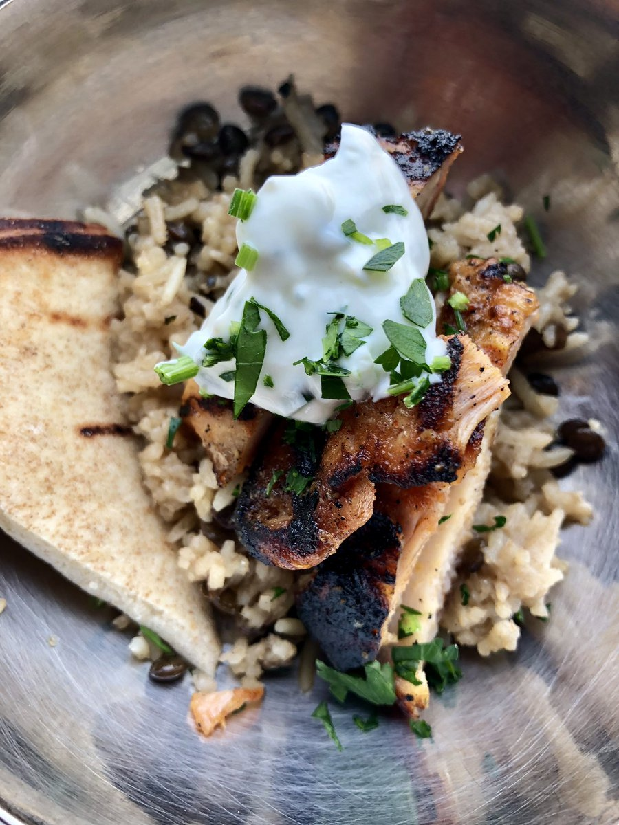 Mujadara | Rice & Lentils with Spiced Chicken, Pita & Yogurt #lunch #goodeats #yum https://t.co/Ps39ieeCL0