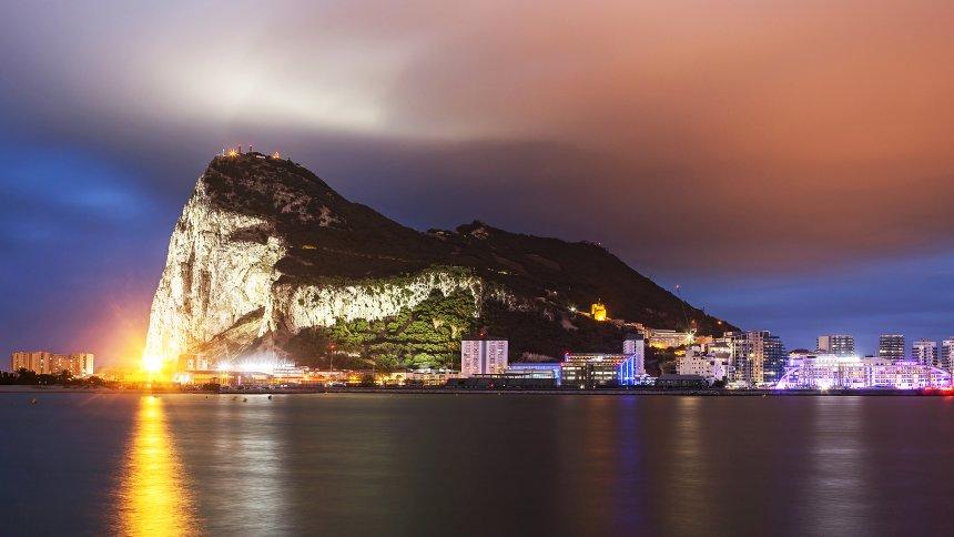 Widerstand aus Madrid: Spanien droht mit Brexit-Blockade - wegen Gibraltar https://t.co/CXVAW3DmnF