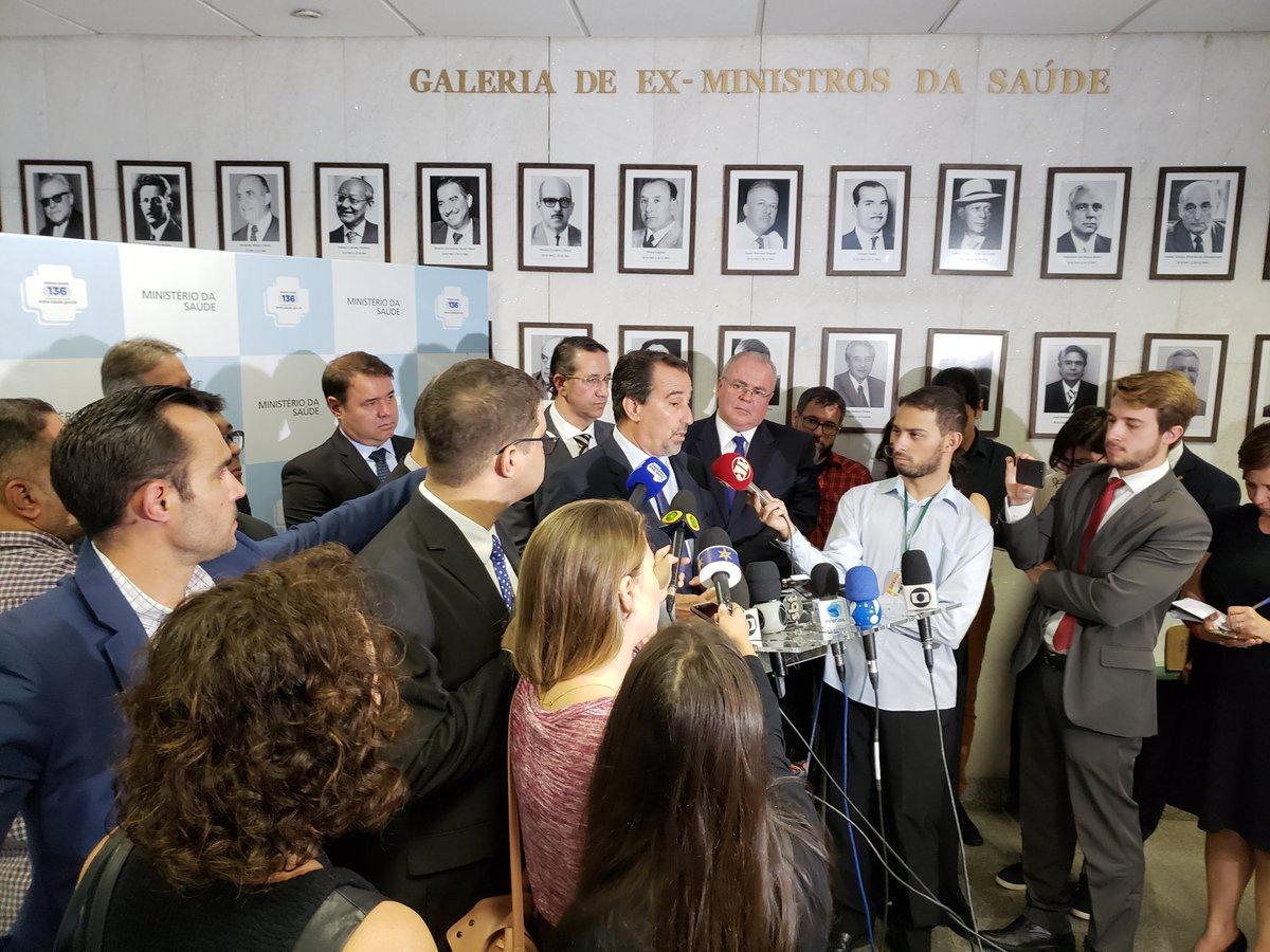 Ministro, Gilberto Occhi, conversa agora com a imprensa sobre o novo Edital do programa Mais Médicos. #NovoEditalMaisMédicos
