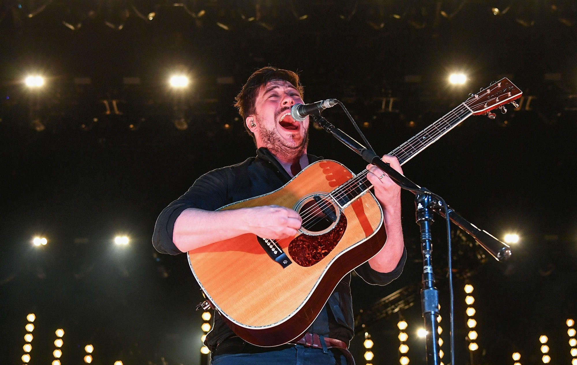 Mumford & Sons forced to postpone tour dates over 'groundbreaking' stage https://t.co/j3Nv7sp8Ce https://t.co/gI6xlzqEaS