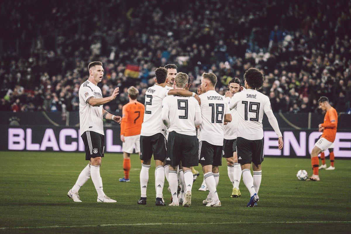 Halbzeit in Gelsenkirchen, Deutschland führt durch #Werner und @LeroySane19 verdient gegen die Niederlande. #DieMannschaft #GERNED 2-0
