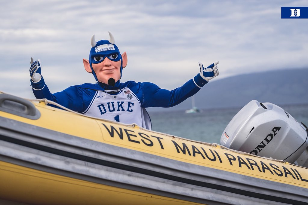 Team bus heading over to the gym RN. Blue Devil's gonna take a boat.   #HereComesDuke ���� https://t.co/Dk3rfaAxby