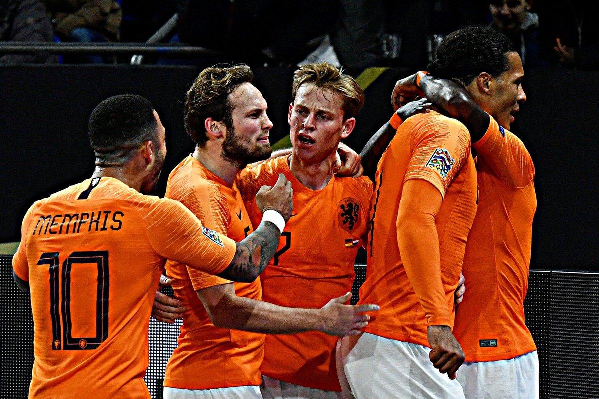 b34a25395  GERNED  DUINED  Nederland  Oranje  OnsOranje  HupHollandHup   NederlandSelftal pic.twitter.com 6r4txUsab4