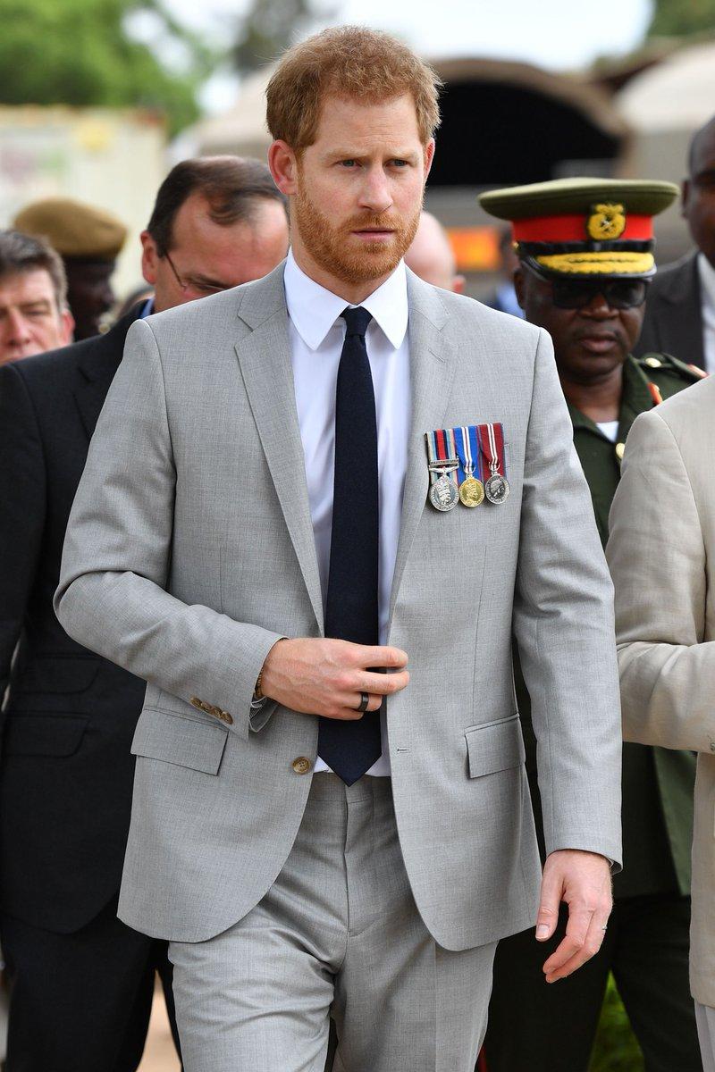 Prunce Harry meets #WW2 veterans at Burma Barracks #RoyalVisitZambia #Royals