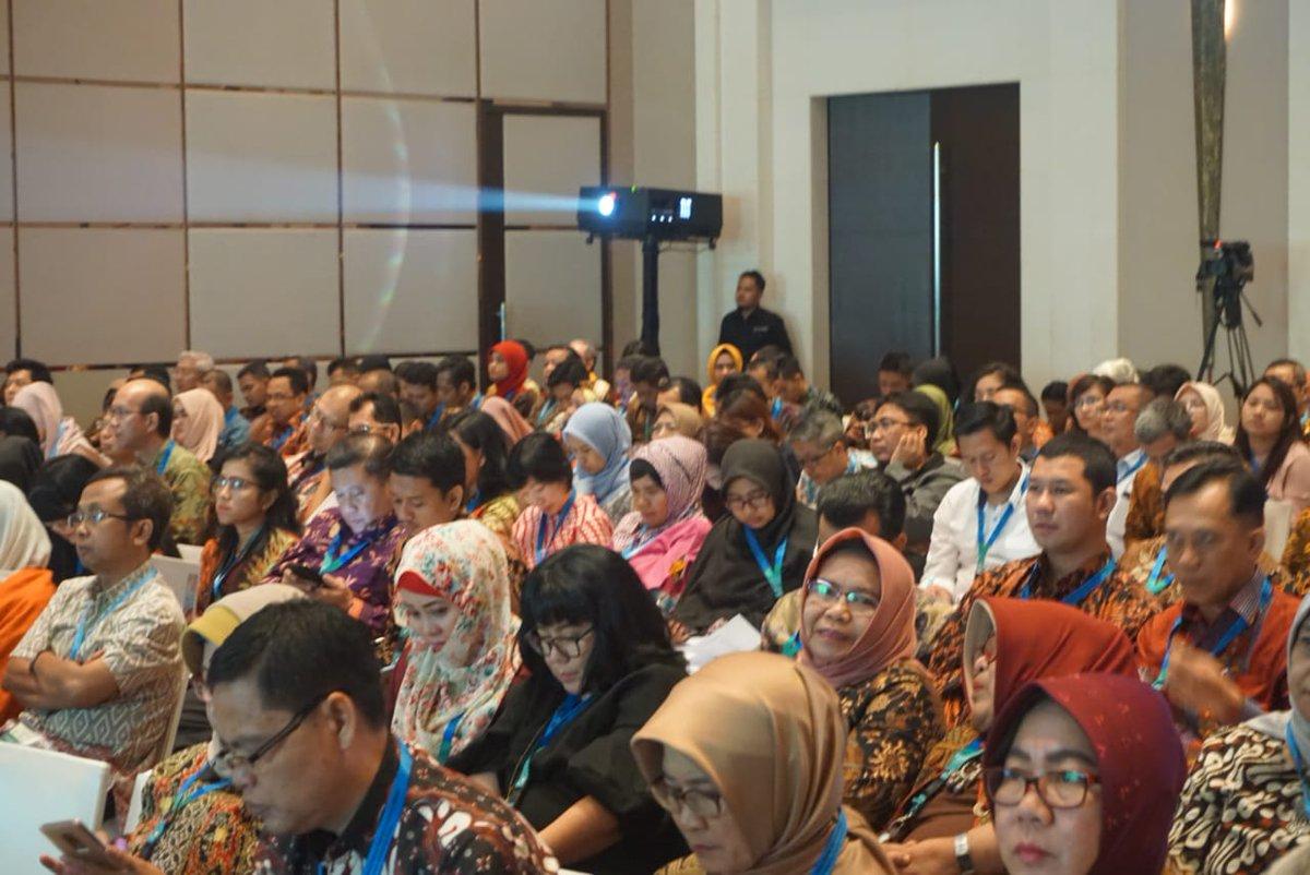 Saat ini PT. Bio Farma milik Indonesia telah menerima status Pre-Qualification WHO (PQ-WHO). #OKIBPOM2018