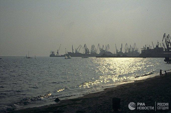 Британия призвала Россию прекратить задерживать суда в Азовском море Фото
