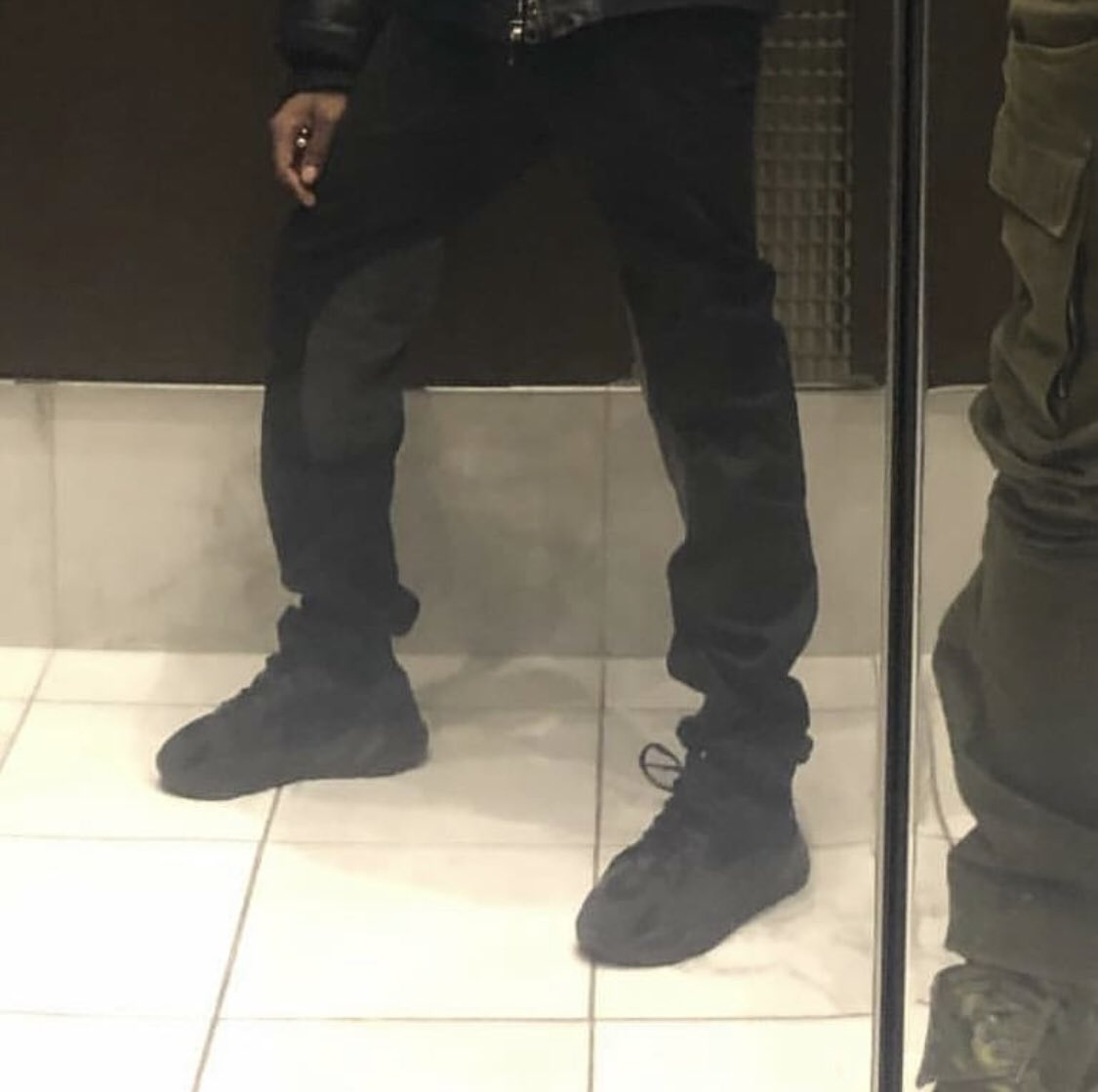 competitive price 18562 515d7 yeezy.live (@yeezylive) | Twitter