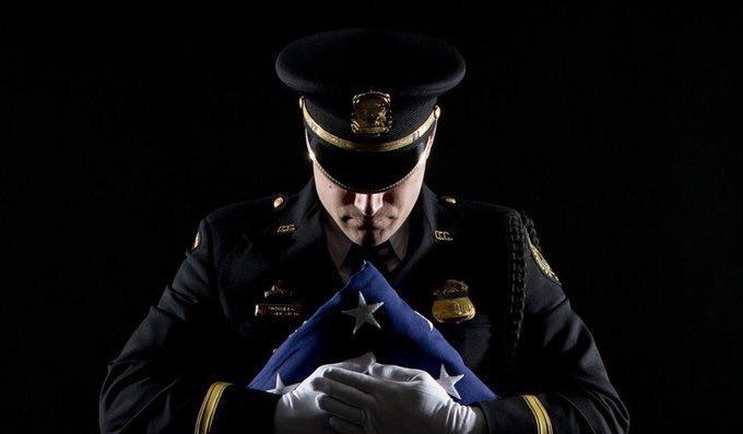 Our thoughts & prayers are with the family, friends & colleagues of fallen  Officer#ChicagoPoliceDepartment Samuel Jimenez and all of the victims of the  shootin#MercyHospitalg.