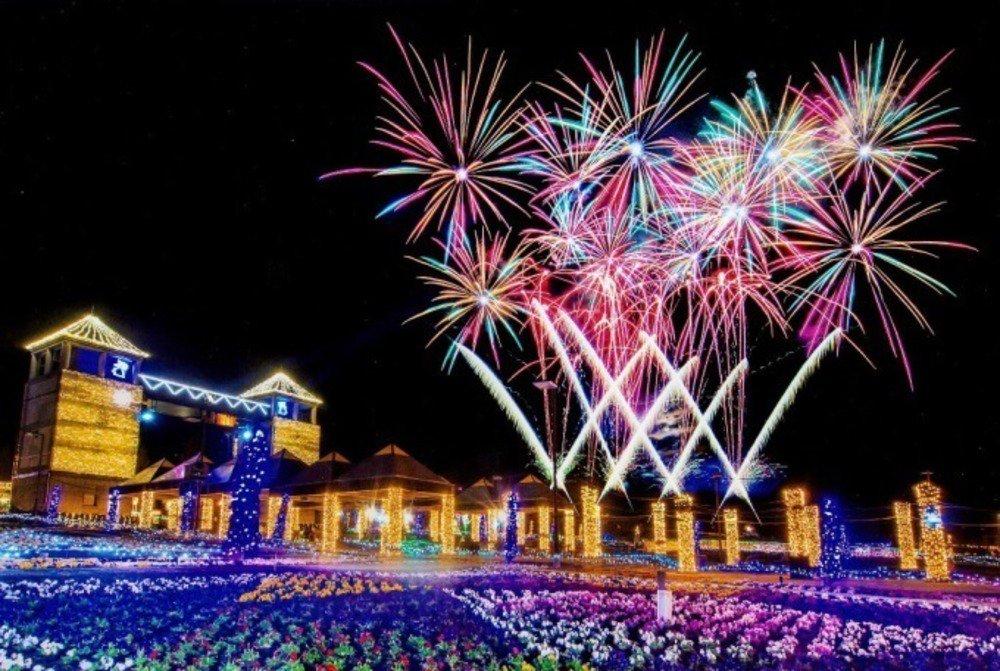 ぐんまフラワーパークの100万球イルミネーション「妖精たちの楽園」で一夜限りの花火大会 - https://t.co/xATfLXuz1N