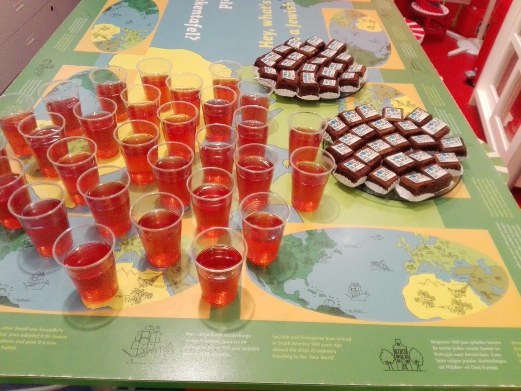 Unicef Amsterdam On Twitter Limonade En Brownies Voor