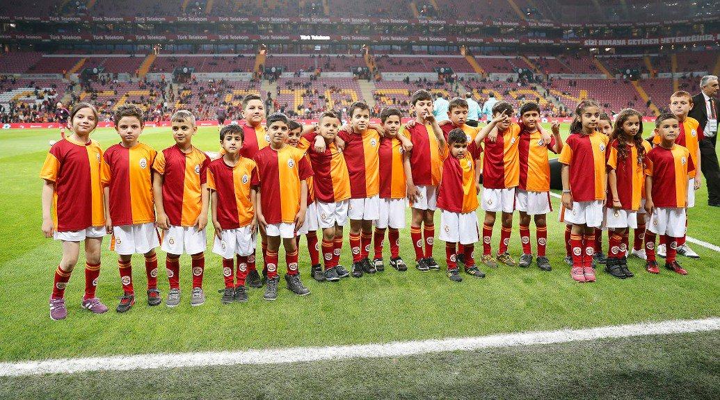 Galatasaray SK's photo on #DünyaÇocukGünü