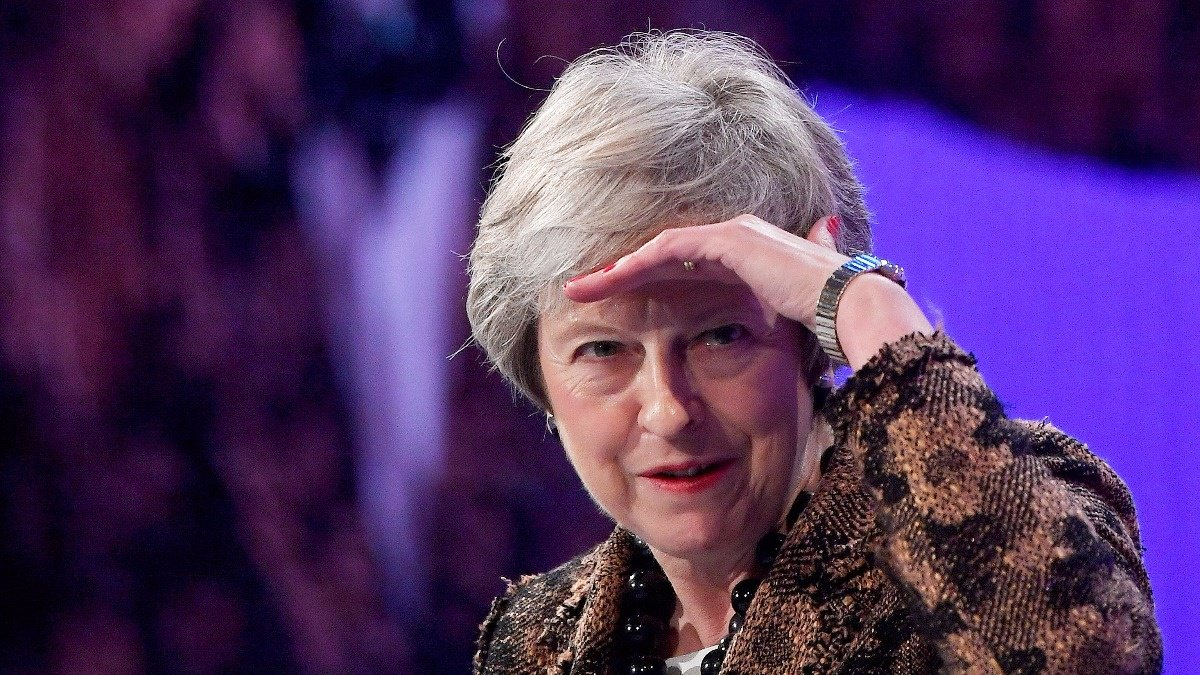 May sticks to Brexit as rebels seek to oust her https://reut.rs/2QYfZOg