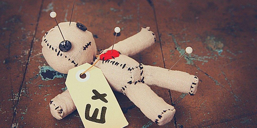 если я делала приворот на куклу вуду и не помогло можно её просто закопать в землю