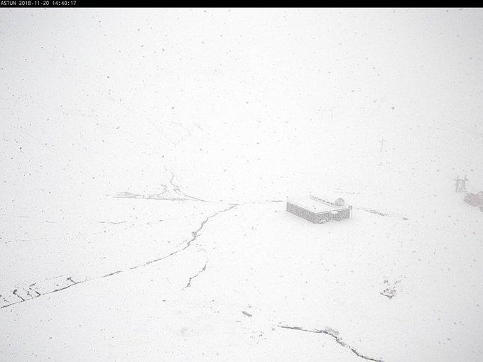 #Nieve en las estaciones de #esquí y cabeceras de los valles próximos a #Jaca ¡¡el invierno cada vez más cerca!! 😍 #nieve . #Alojamientos, #restaurantes, #agenda, #meteo y #webcams en https://t.co/fS6EuC6Xuw
