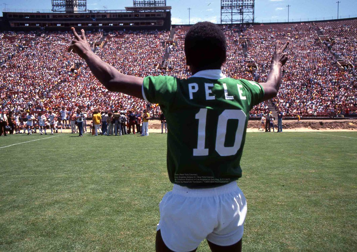 tphoto в Твиттере: «Pele (New York Cosmos), Los Angeles Aztecs 4-1 New York Cosmos at Coliseum Stadium in Los Angeles,on Saturday, 2/7/1977 Photo by Masahide Tomikoshi / TOMIKOSHI PHOTOGRAPHY… https://t.co/hxx7btDaza»