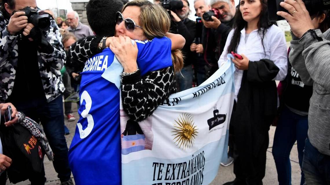 #Argentina comienza tres días de duelo por los 44 tripulantes del submarino hrld.us/2PFGcEY #ARASanJuan