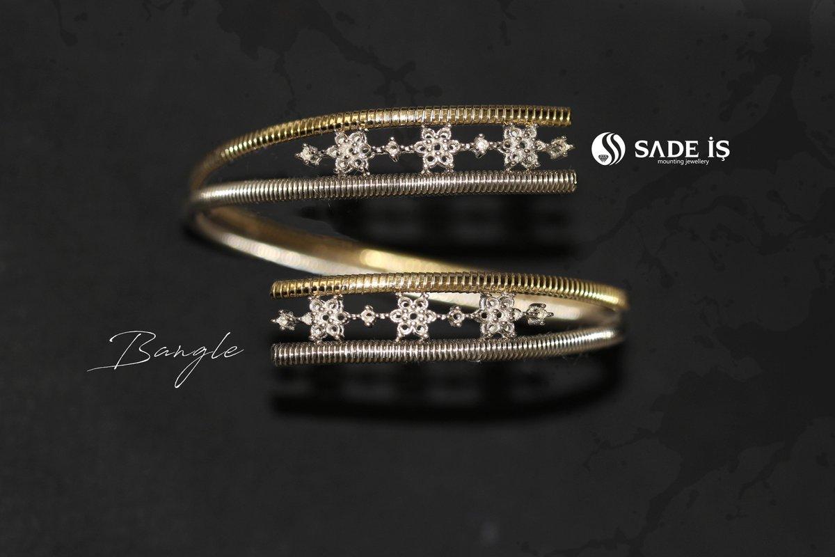 #bangles #goldbangles  #diamondbangles #modatakı #fashionjewellery #fashionjewelry #handmadejewellery #wedding #lovejewellery #dubaijewellery #newyorkjewelry #istanbuljewelry #bakujewellery #antwerpjewelry #indianjewellery #indianjewels #iranluxury #italiajewels #jewelrydesignpic.twitter.com/YutUghrWea