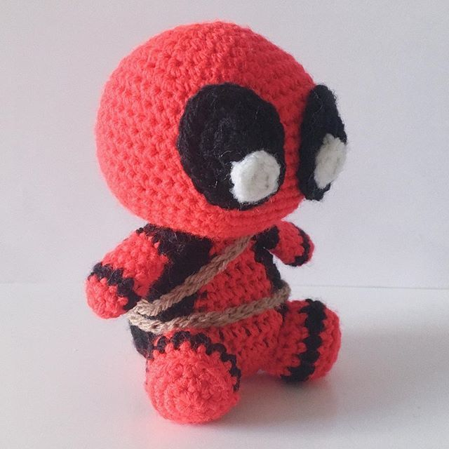 Deadpool Crochet pattern PDF Amigurumi superheroes Comics | Etsy | 640x640