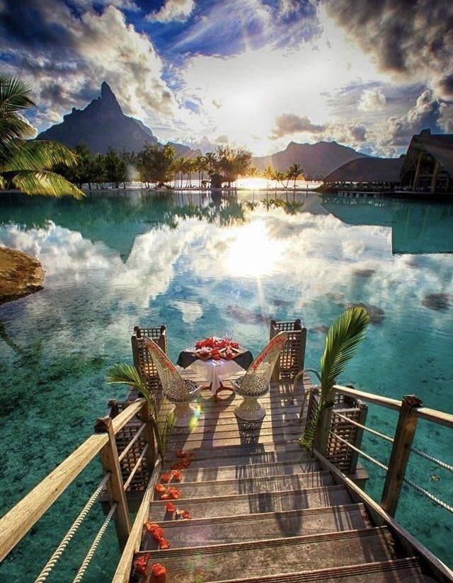 جزيرة بورآ بورآ ♡..|~ DscsHUlXcAEylYC.jpg