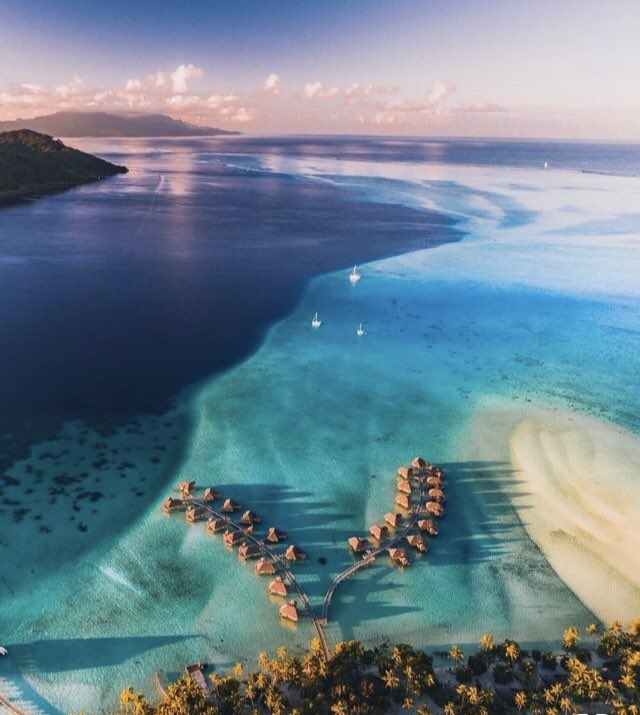 جزيرة بورآ بورآ ♡..|~ DscsHUoWkAAtzSj.jpg