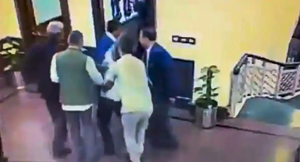 On 'unintentional' angle in Kejriwal attack's police probe, Twitter's take https://t.co/bvert7dtb0