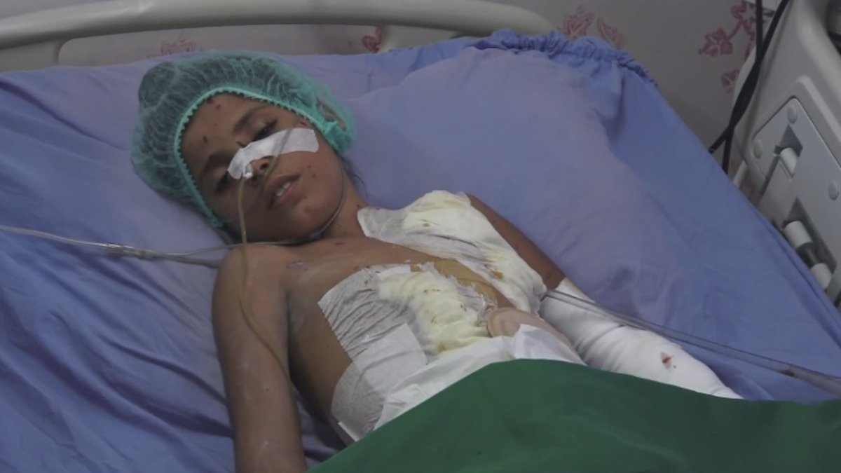 Yemeni father pleads for an end to air strikes https://reut.rs/2DPIs67