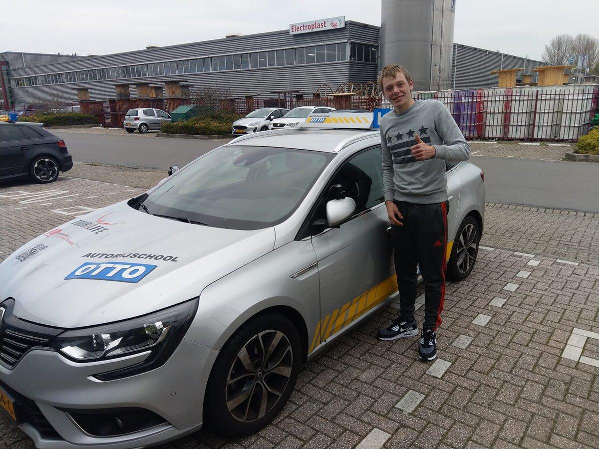 test Twitter Media - Sjoerd Broekhuizen gefeliciteerd met het behalen van je rijbewijs! https://t.co/sZ9HlLukJk