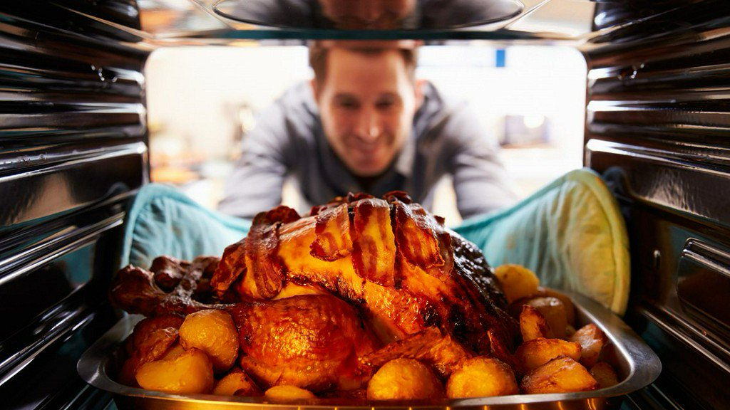 Hot Cheetos Thanksgiving turkey recipe fires up Twitter https://t.co/RAqvskK5Vr