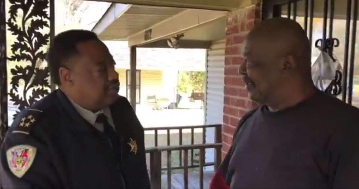 SCSO delivers Thanksgiving meal boxes to familes #wmc5 >>https://t.co/OUPEvJ2LyL