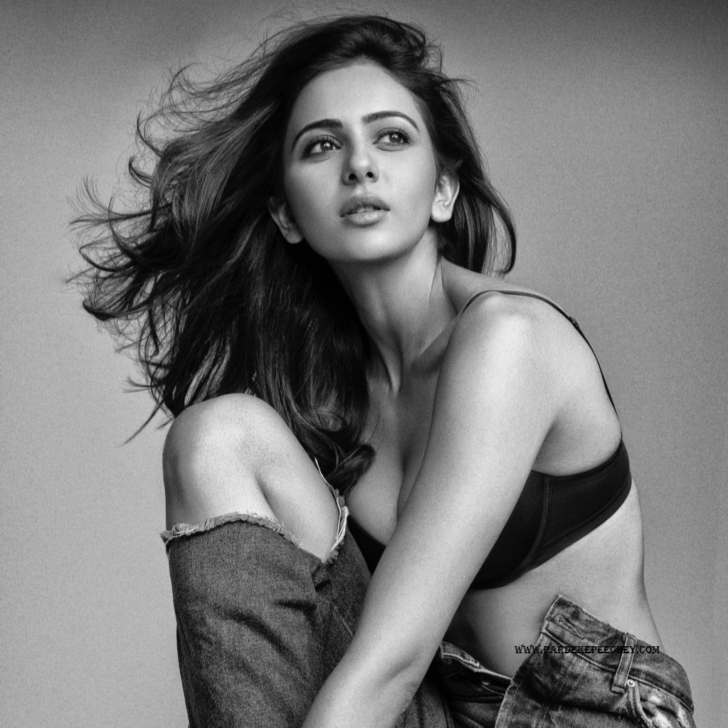 Hot bollywood actress risk