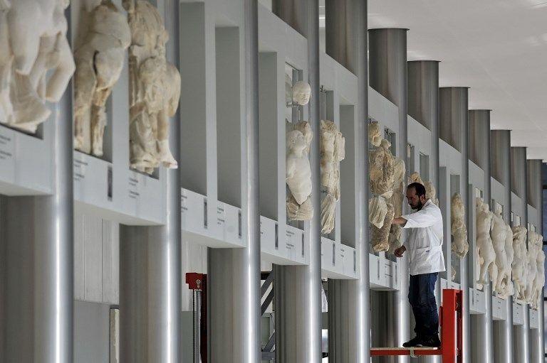 Le nouveau musée de l'Acropole a été conçu pour recevoir notamment les marbres du Parthénon pillés au XIXe siècle et conservés depuis au British Museum. La demande de restitution formulée par Athènes au musée musée britannique est toujours en cours... https://t.co/yAzriG4S14