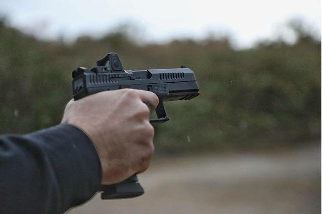 Shooting gun gif funny