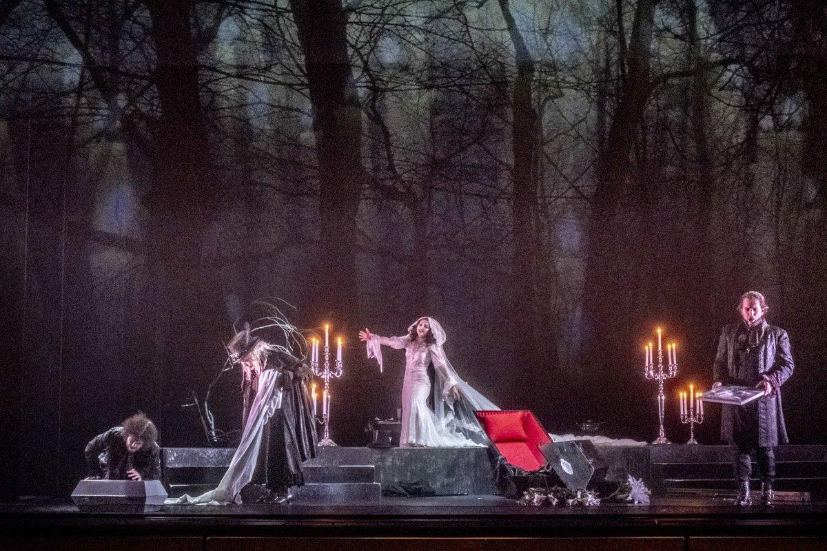 Tiroler Landestheater 2018: The Fall Of The House of Usher @OperawireNews @philipglass #PhilipGlass #EdgarAllanPoe #TirolerLandestheater #AlecAvedissian #JonJurgens #DaleAlbright  #AnnaMariakalesidis #JohannesReitmeier #opera #innsbruck  http://operawire.com/tiroler-landestheater-2018-review-the-fall-of-the-house-of-usher/…pic.twitter.com/lOcnsYdYd9