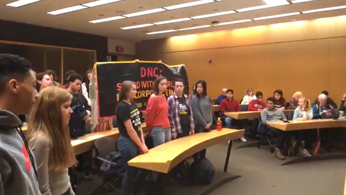 Activists Disrupt DNC Chair Event, Urge Adoption of Green New Deal https://t.co/ZXTKwiCY1Q