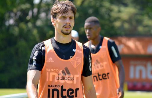 Provável titular contra o Vasco, Rodrigo Caio busca afirmação em seu fim de temporada pelo São Paulo https://t.co/nxe3C0O4aT