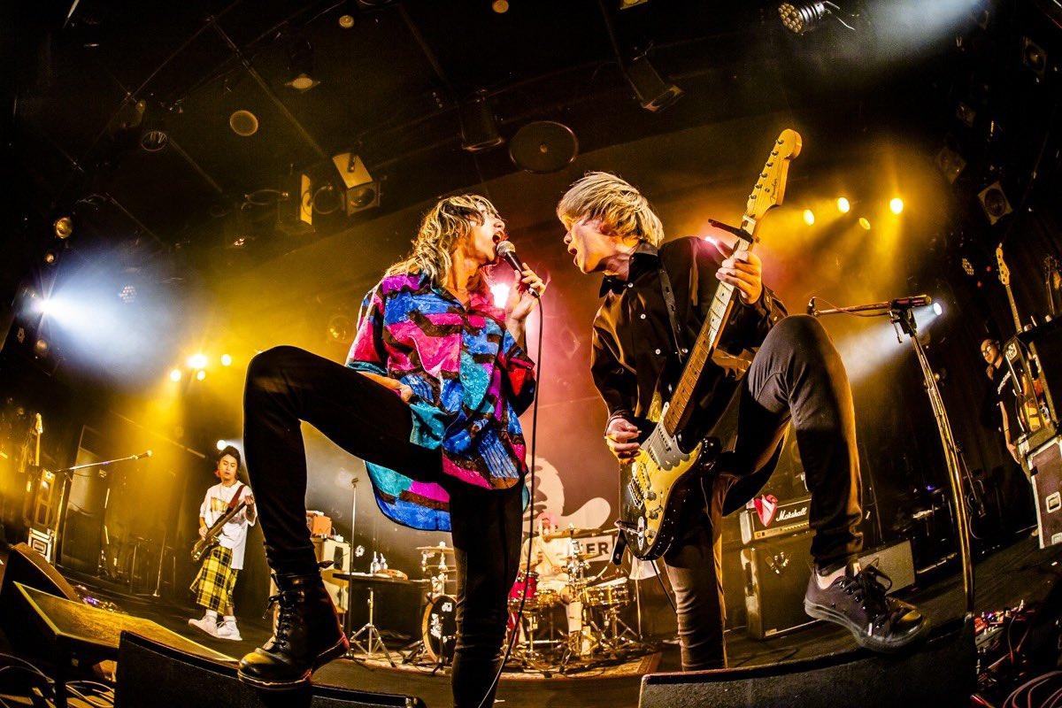 名古屋はclub quattroにてコンサートおしまい。 あれもあって、これもあるし、それもある一日に、凄く楽しい心持ちでした。 音楽も人も、真正面から向き合うと楽しいね。 これからもワクワクしてようぜ。ありがとう。 写真 @cazrowAoki