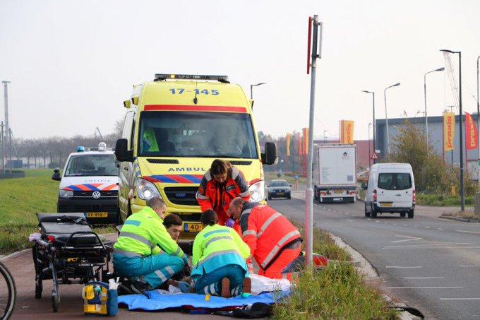 Auto rijdt door na zwaar ongeluk Deltaweg https://t.co/9W3bYDmyDW https://t.co/yQpK5cw0La