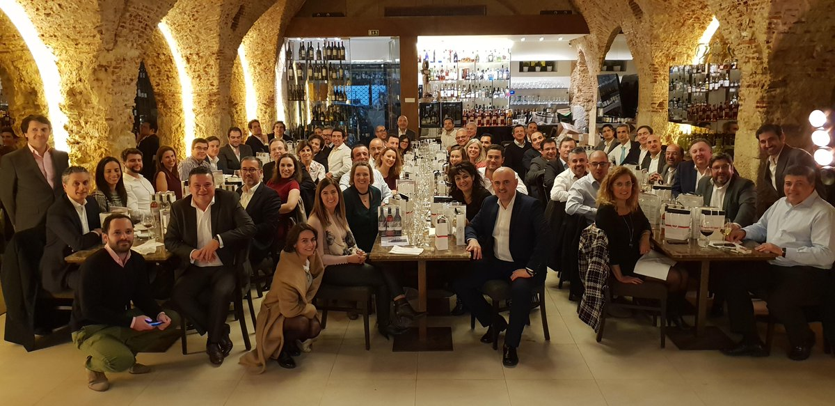 Last night @cleverti was at the IAMCP Portugal Christmas Dinner. @cesarandfonseca and Tomás Santos were the ambassadors of Cleverti at this great event, where some of the top IT companies in Portugal were represented. #iamcpportugal #iamcp Photo credits: IAMCP Portugal<br>http://pic.twitter.com/3XEribPtst