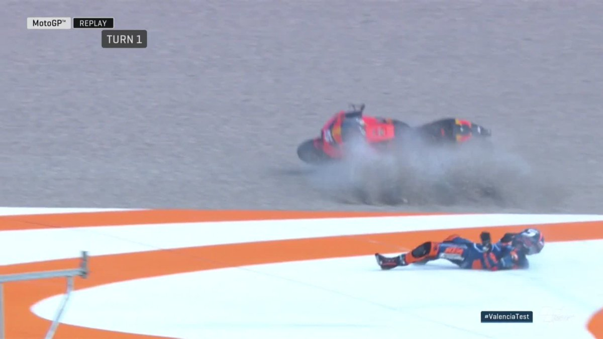 Finding the limits of the bike...💢 @JohannZarco1 loses the front at Turn 1 on his new KTM RC16! 😖 #ValenciaTest