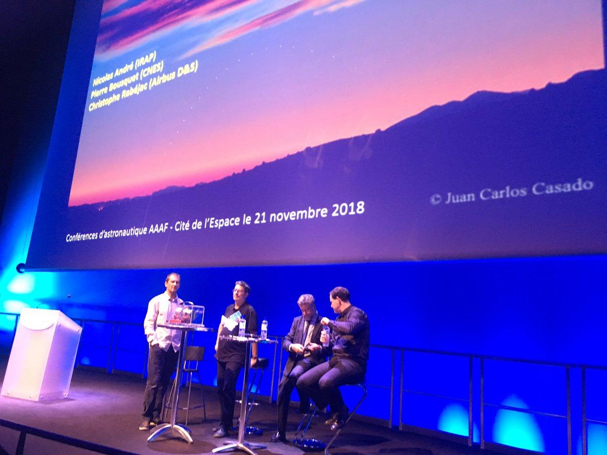 """En direct de la conférence à la @CiteEspace, """"BepiColombo, une mission risquée vers les secrets de Mercure"""" avec Nicolas André (IRAP), Pierre Bousquet (CNES) et Christophe Rabéjac (Airbus Defense & Space) #BepiColombo @CNES @AirbusSpace @IRAP_France"""
