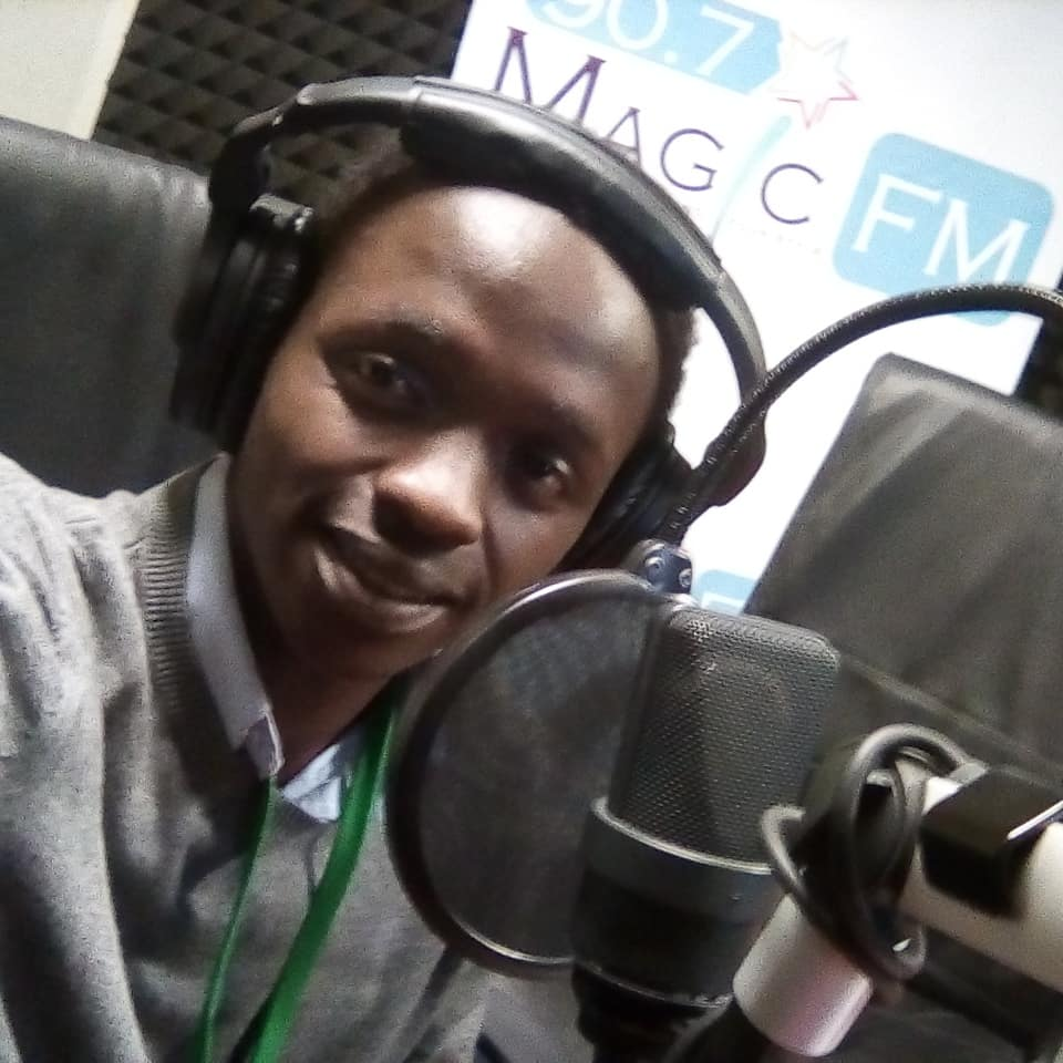 Much Thanks goes to @RadioRwanda_ @907MagicFm for hosting me. 'Dreams to find another world' poetry book launch is loading.  @NARwanda @MinYouthRwanda @Poetry_Daily #RwOT @KigaliLibrary @AmEugeneAnangwe @IlwadElman @Josephnzizar @RMbabazi @poetswritersinc @intalert @MTNRwanda