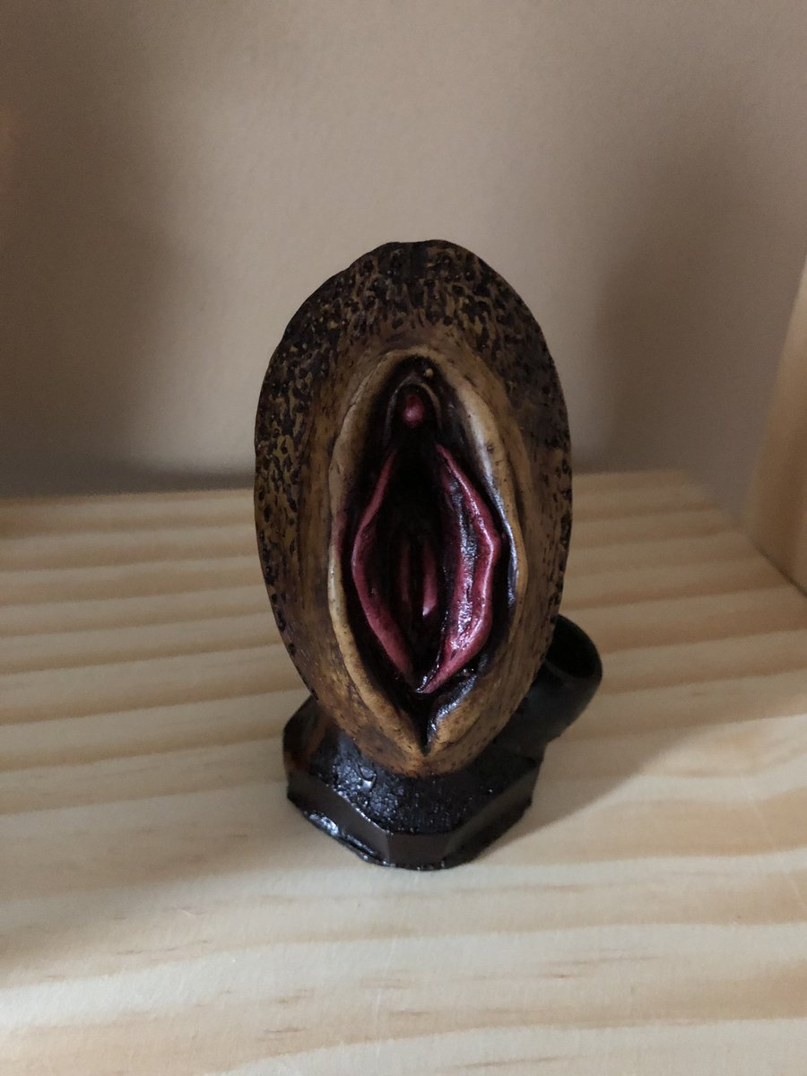 Can not carved wooden pussy