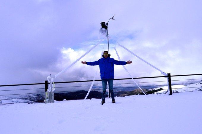¡Espectacular! ❄ Esta mañana (21/11/2018), #nieve desde el Albergue Universitario de #SierraNevada (#Granada), a 2550 msnm.