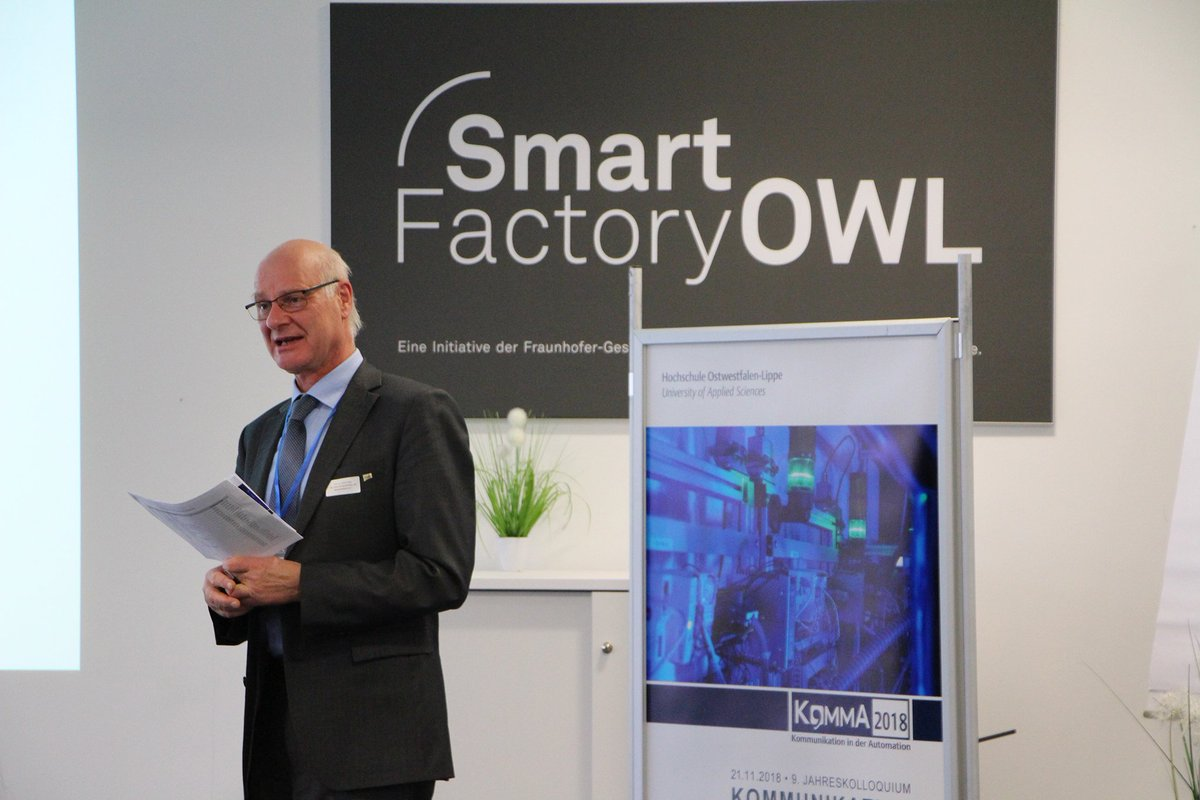 Smartfactoryowl On Twitter Prof Jumar From Ifak Moderating The Poster Session Hochschuleowl Init Iot I40 M2m Safety Security