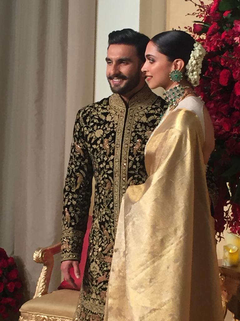 Deepika-ranveer-reception-photos-in-bengaluru
