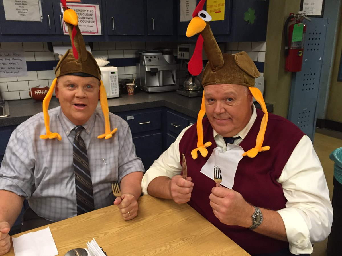 A couple gobblers waiting to gobble... Have a Happy Thanksgiving everybody! ⁦@DirkBlocker⁩