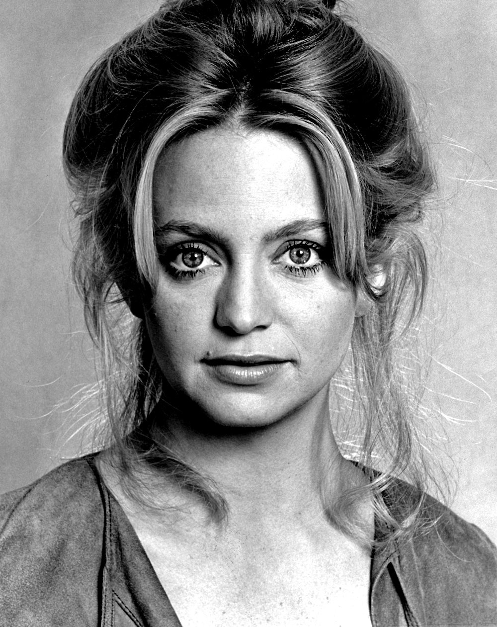 Happy Birthday to Goldie Hawn! She turns 73 today.